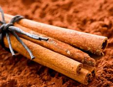Es ist wahr, dass Zimt und Honig verwendet werden, um Gewicht zu verlieren